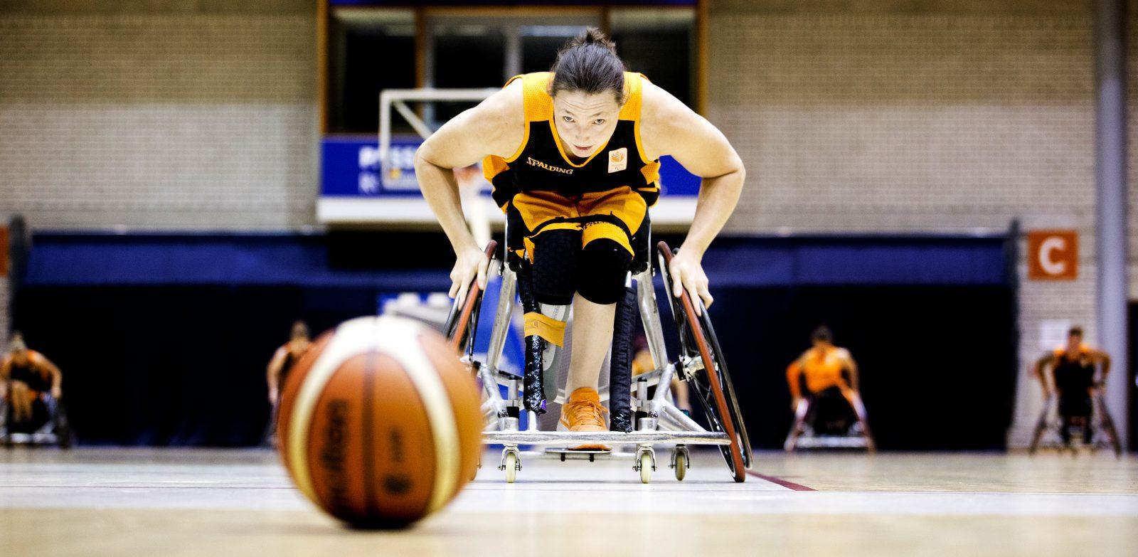ROTTERDAM - TU Delft Sports Engineering Institute test bewegings sensors op rolstoelen van team Nederland Basketbal. - FOTO GUUS SCHOONEWILLE